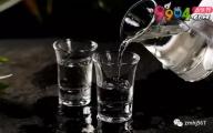 女人喝白酒的好处和坏处